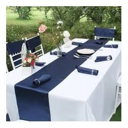 Chemin de table mariage satin bleu marine