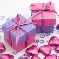 Boite à dragées rose fuschia et lilas ( par 10)