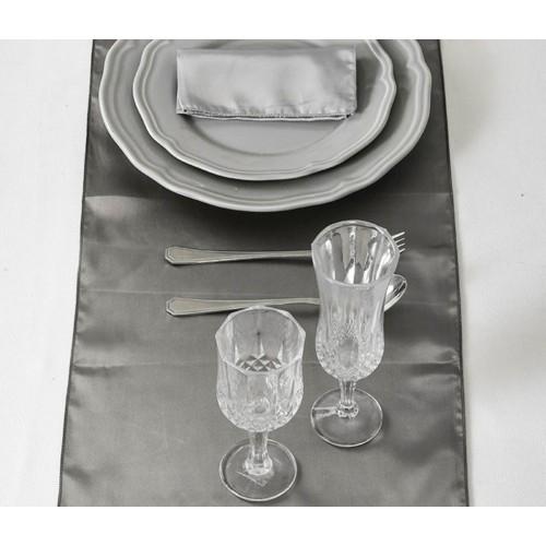 chemin de table satin gris les couleurs du mariage mariage et r ception. Black Bedroom Furniture Sets. Home Design Ideas