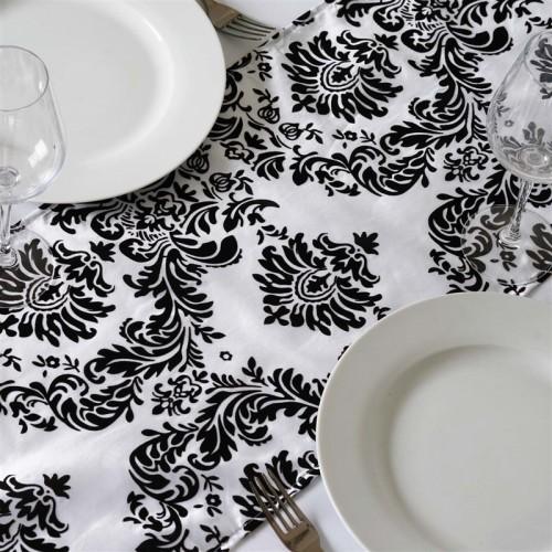 Chemin de table baroque noir et blanc