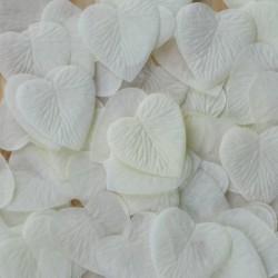 Pétales coeur ivoires par 100