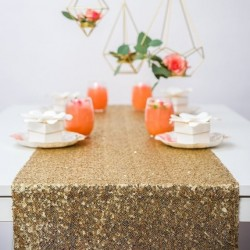 Chemin de table sequin or
