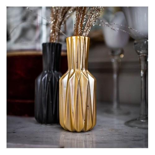 Vase origami or