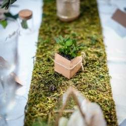 Chemin de table mousse sur jute
