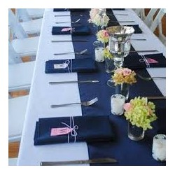Chemin de table polyester bleu marine