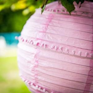Lanterne pompons rose