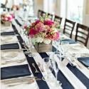 Chemin de table bleu marine et blanc