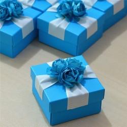 Boite à dragées décor roses bleu par 10