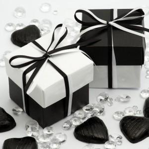 Boite à dragées noire et blanche par 10