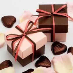Boite à dragées chocolat et rose pale ( par 10)