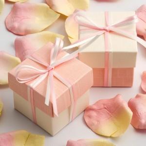 Boite à dragées rose pale et blanc par 10