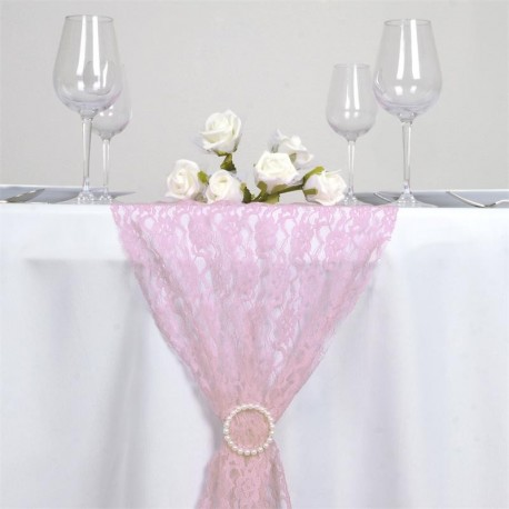 Chemin de table en dentelle rose