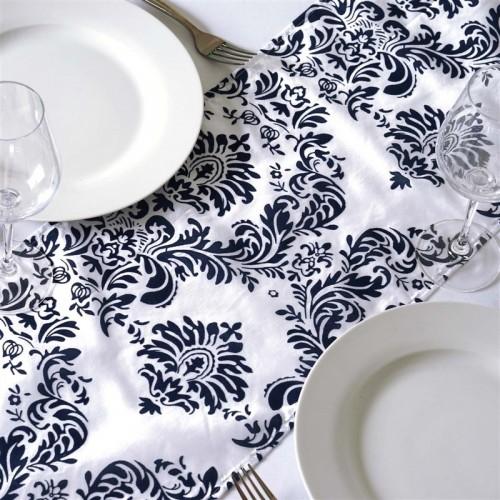 chemin de table baroque bleu marine et blanc les couleurs du mariage mariage et r ception. Black Bedroom Furniture Sets. Home Design Ideas