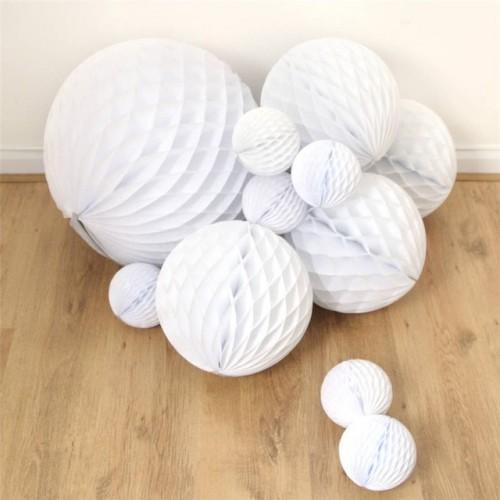 Boule en papier alvéolée blanche