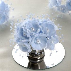 Bouquet de fleurs en tissu bleu ciel