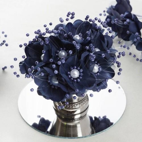 Bouquet de fleurs en tissu blanc