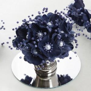 Bouquet de fleurs en tissu bleu marine