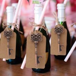 Marque place et ouvre bouteille clé