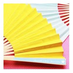 Eventail en papier jaune